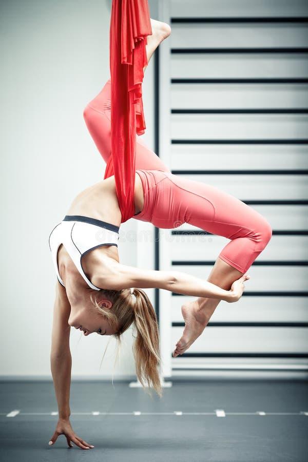 Antigravity yoga royalty-vrije stock foto