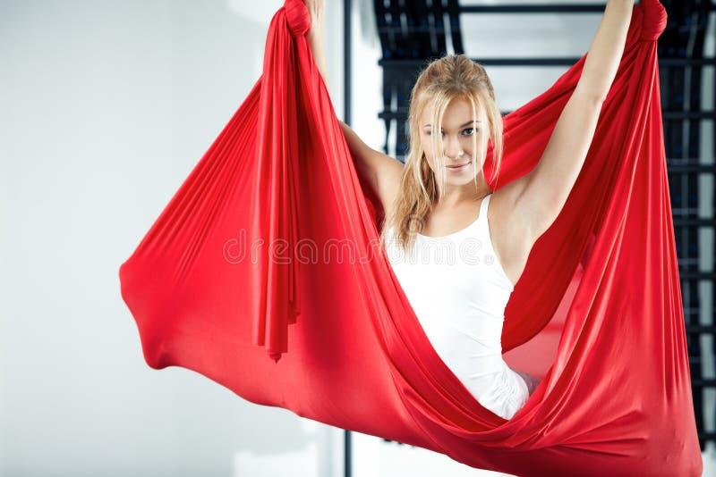 Antigravity yoga royalty-vrije stock afbeeldingen