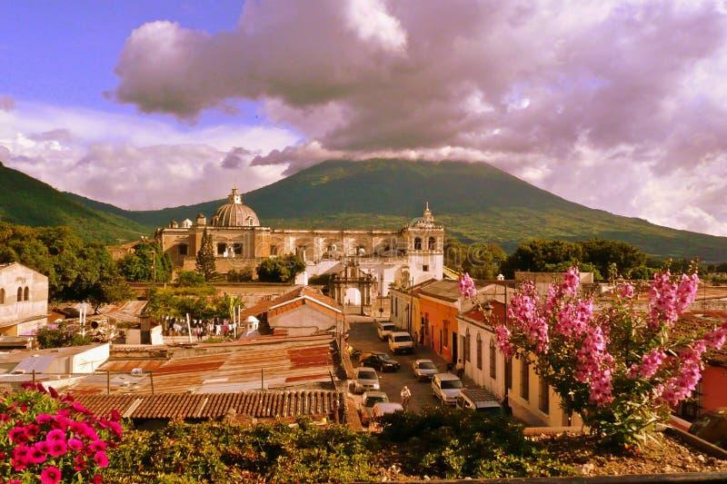 antigua kyrkliga francisco guatemala san arkivbild