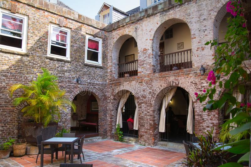 Antigua, wyspy karaibskie: Angielskiego schronienia prezerwy międzynarodowy teren, dziejowi budynki Nelson ` s czas obraz royalty free