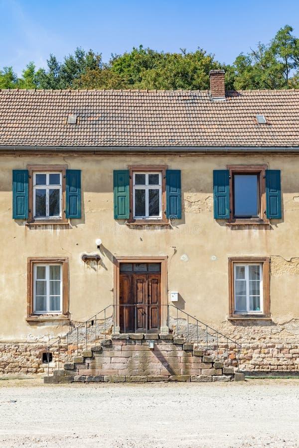 antiguas casas en el antiguo parque industrial de Schmelz imagen de archivo