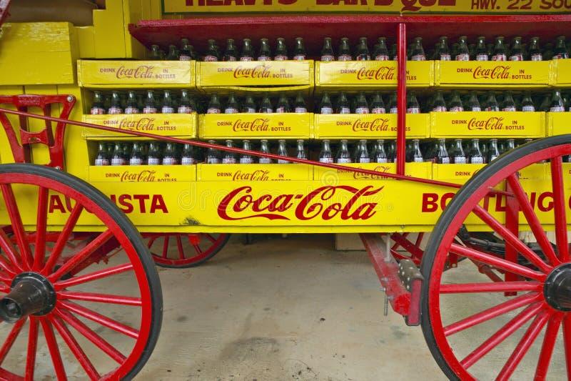 Antiguidade velha do vagão da soda de Coca-Cola em GA central fora da estrada 22 fotos de stock royalty free