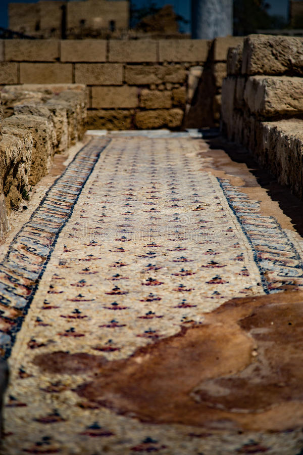 Antiguo baña Cesaria del puerto Israel fotos de archivo