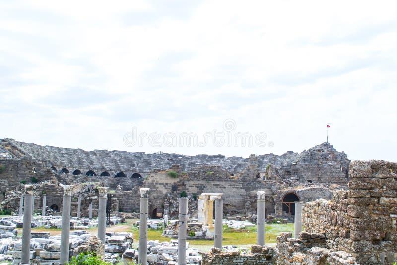 Antik amphitheater kalkon Sidostad arkivbild