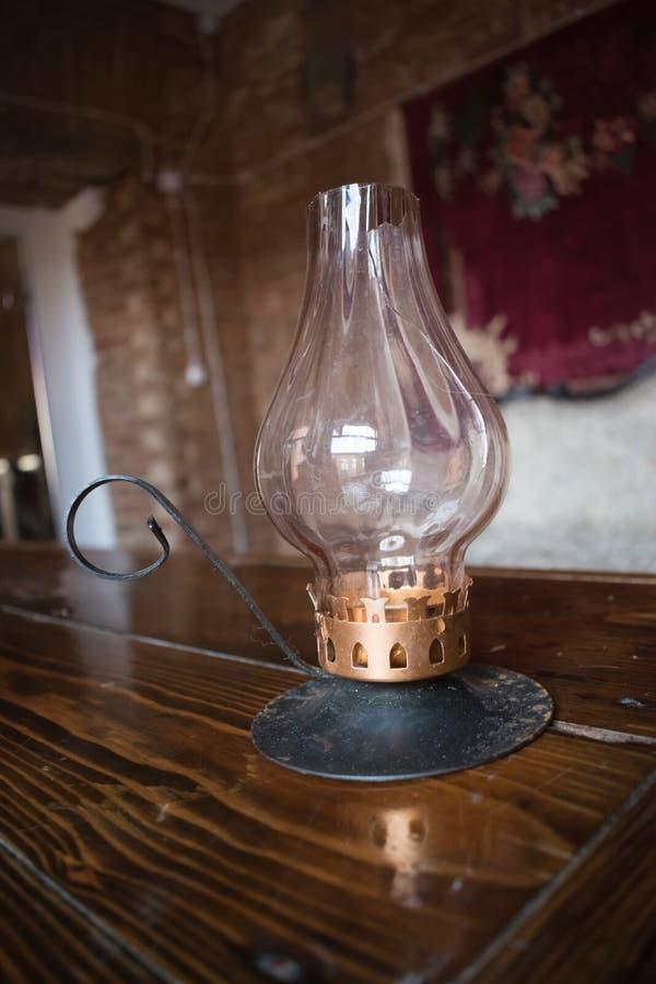 Antik fotogenlampa av det 19th århundradet arkivfoton