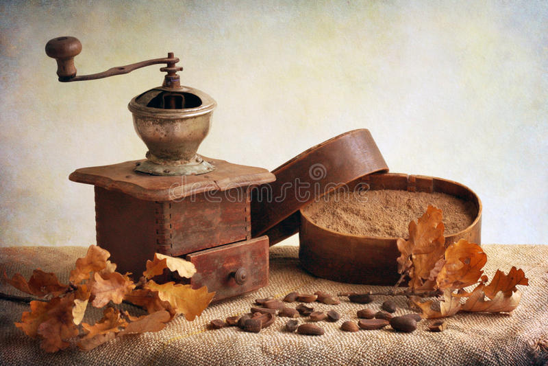 Antik kaffegrinder arkivbild