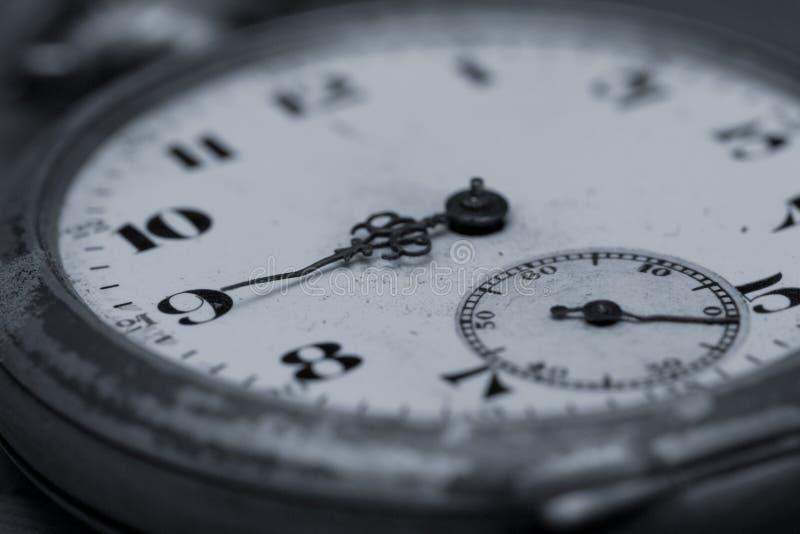 antik klockaclose upp Selektivt fokusera royaltyfria bilder