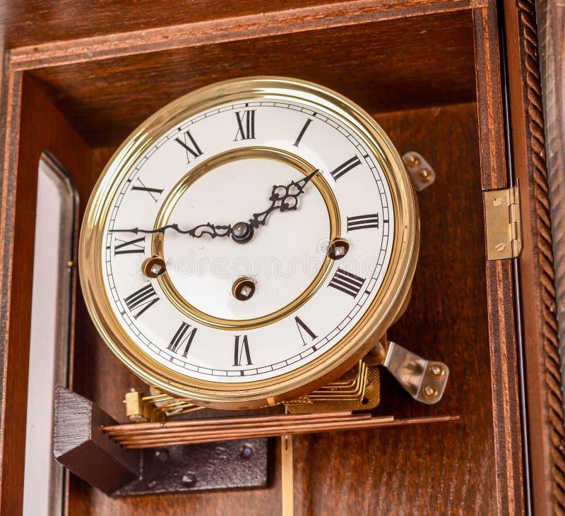 antik klockavägg royaltyfri foto