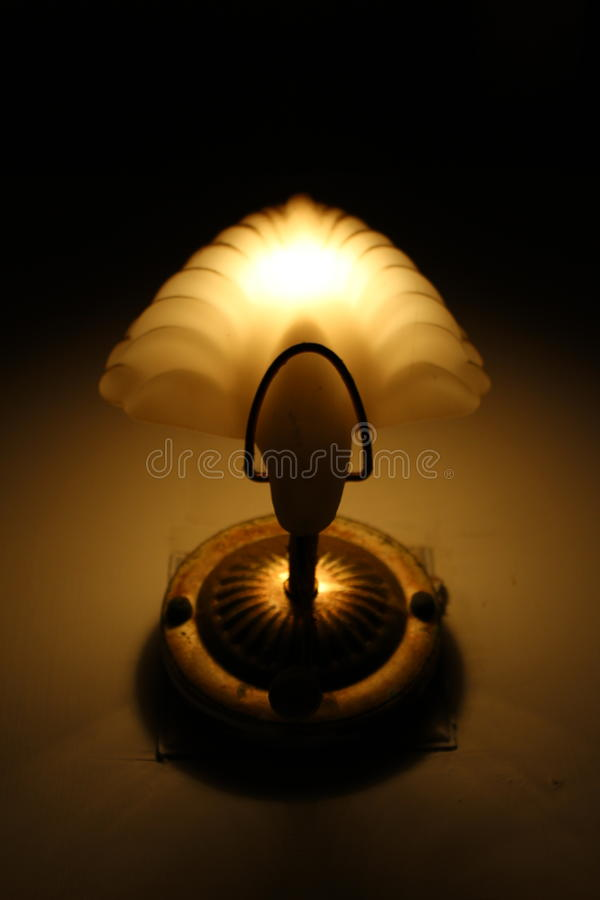 antik mörk tappning för lampa för skrivbordglödgreen royaltyfri fotografi