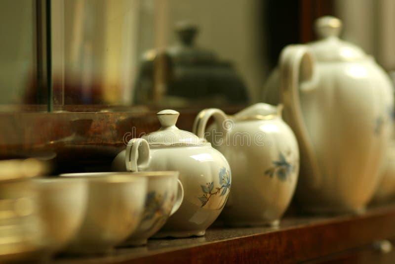 Antik porslinte- eller kaffeuppsättning royaltyfri fotografi