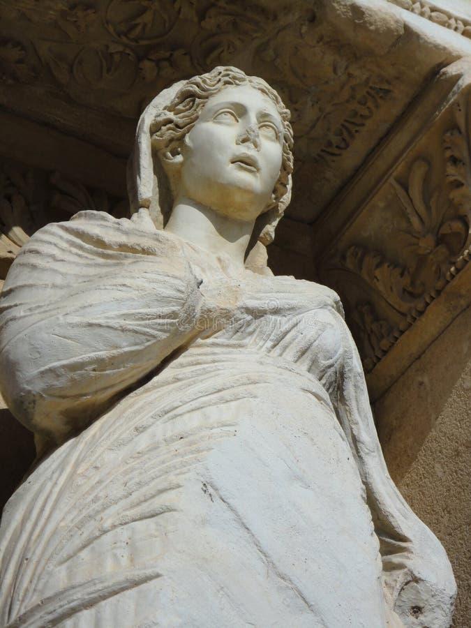 Antik staty av areten arkivfoto
