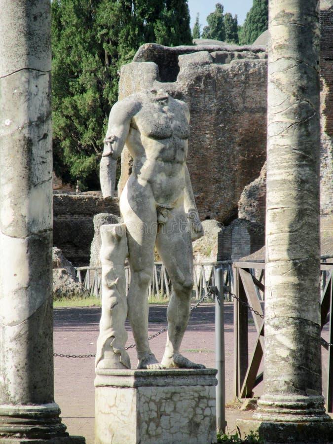 Antik staty i villan Adriana, Tivoli Rome fotografering för bildbyråer
