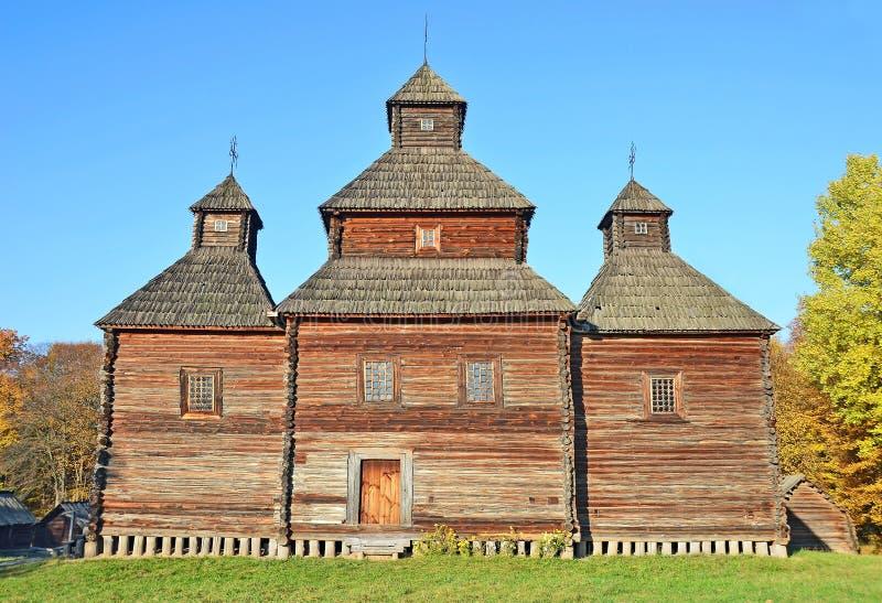 Download Antik träkyrka arkivfoto. Bild av ortodoxt, tree, ukraine - 27284420