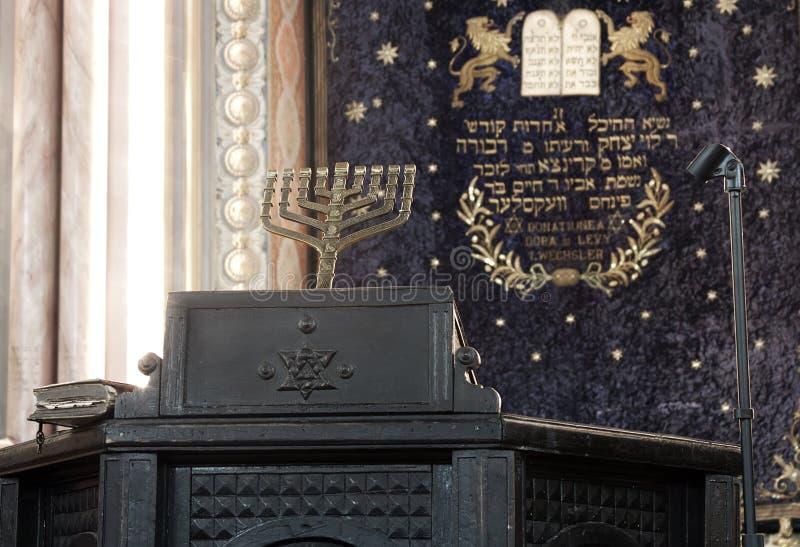 Antika judiska menoror fotografering för bildbyråer