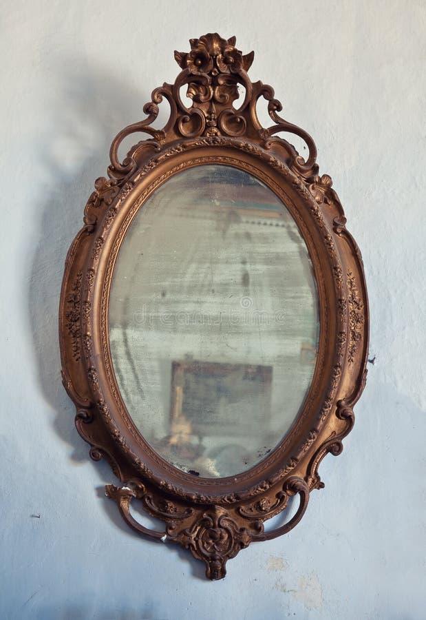 Antika trä inramar royaltyfri bild
