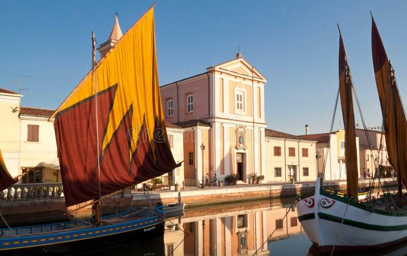 Antike Boote auf dem Kanal lizenzfreie stockfotografie