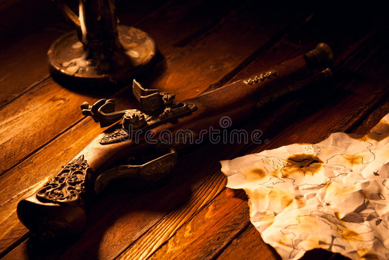 Antike Flintlock-Pistole stockbilder