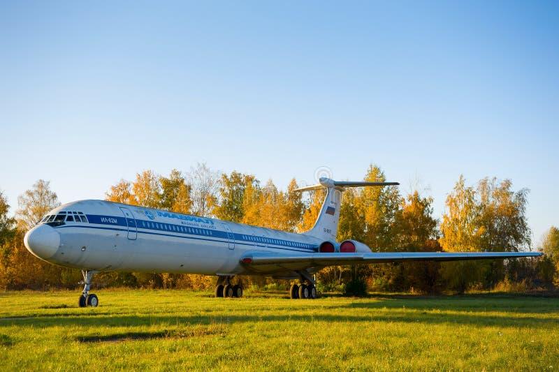 Antike Flugzeuge im Museum von Luftfahrt lizenzfreies stockbild