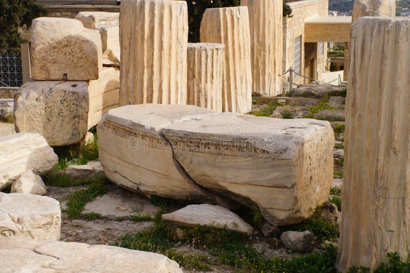 Antike griechische Spalte im Parthenon, Athen lizenzfreie stockfotografie