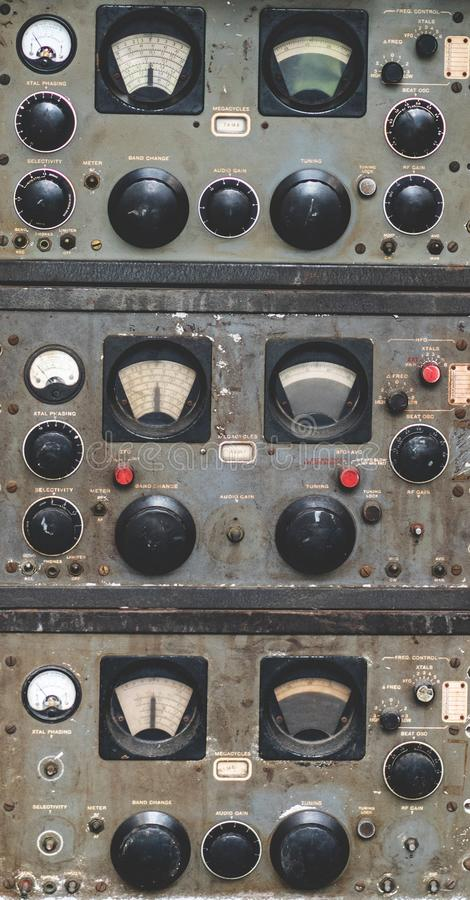 Antike Marine Control Panel Instruments stockbilder