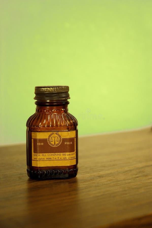 Antike Pilleflasche lizenzfreie stockfotografie