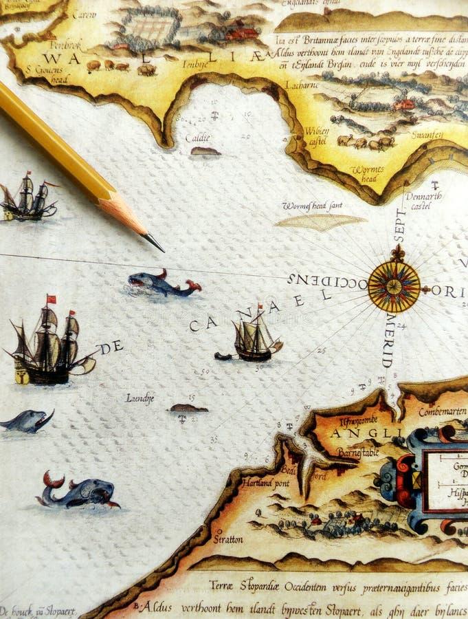 Antike Seekarte mit Bleistift lizenzfreie stockbilder