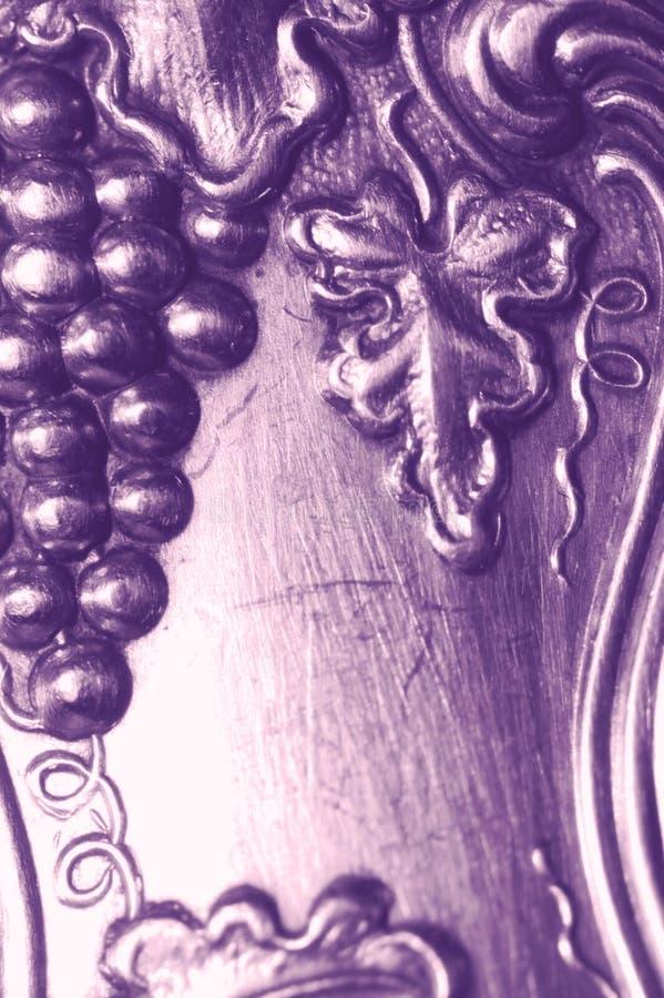 Antike silberne Weinstockauslegung stockfotos