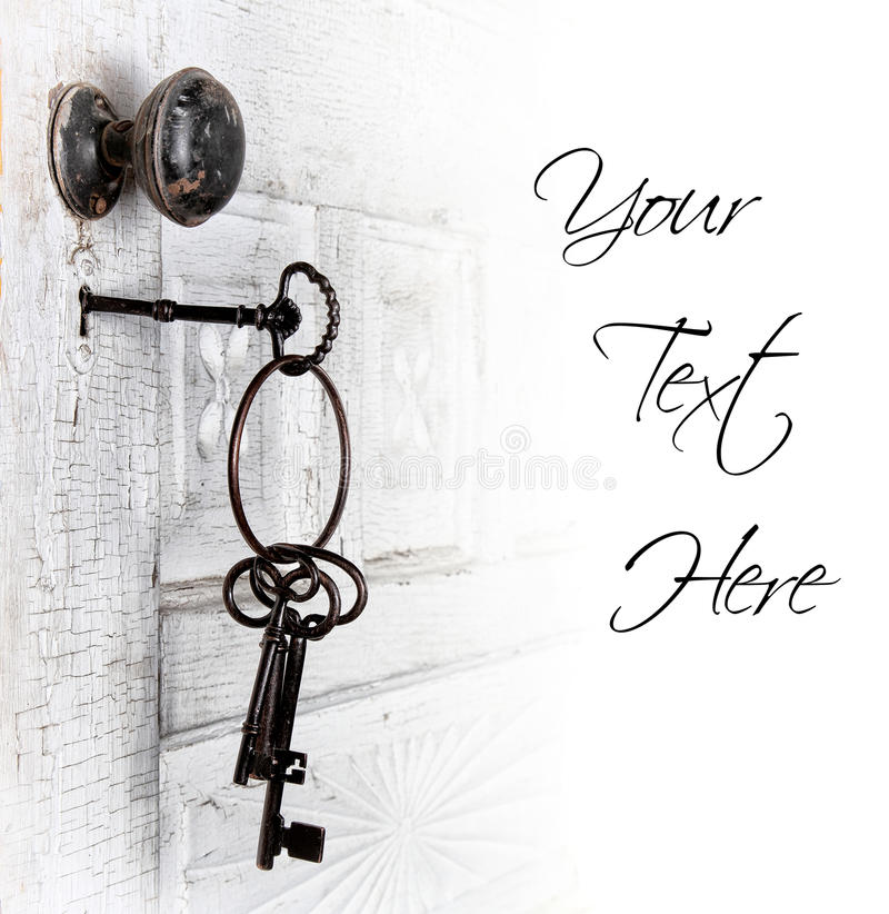 Antike Tür mit Tasten in der Verriegelung lizenzfreies stockfoto