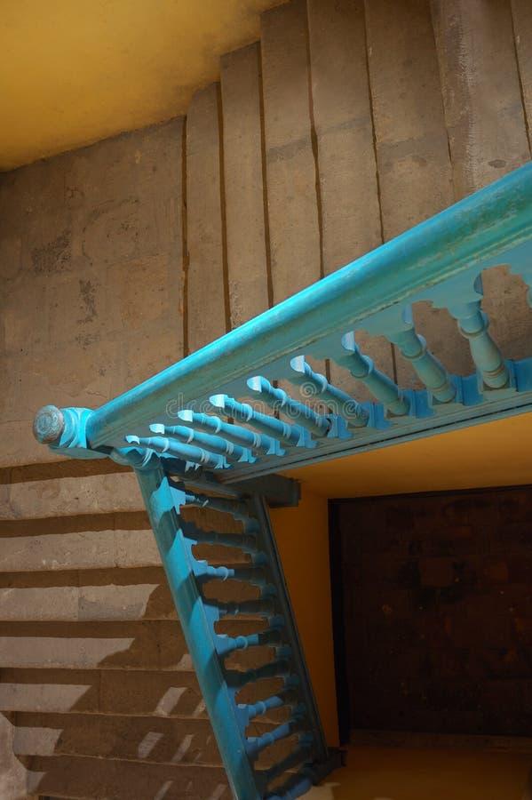 Antike Treppen in altem Havana lizenzfreies stockfoto