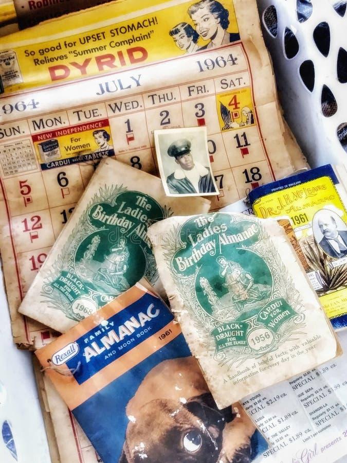 Antike Weinlese 1951 -1968 Werbungen und Kalender lizenzfreies stockbild