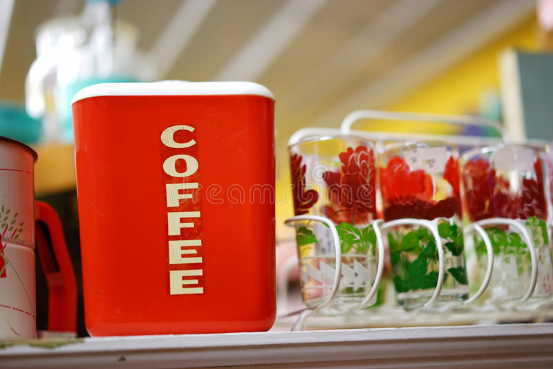 Antiker Bakelitkaffeekanister stockfotos