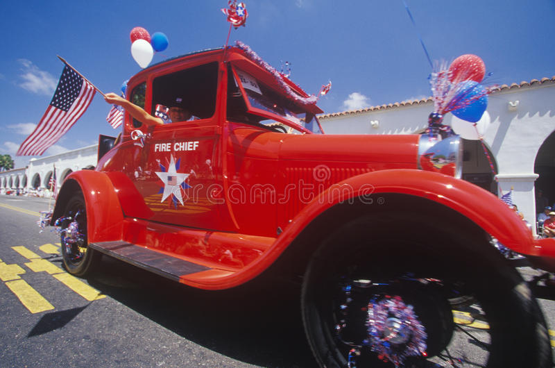 Antiker Brandmeister des Auto-in der am 4. Juli Parade, Ojai, Kalifornien stockfoto