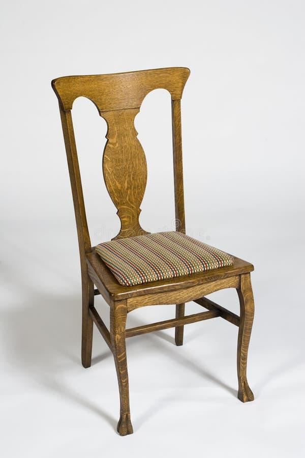 Antiker Eichen-Stuhl stockfotografie