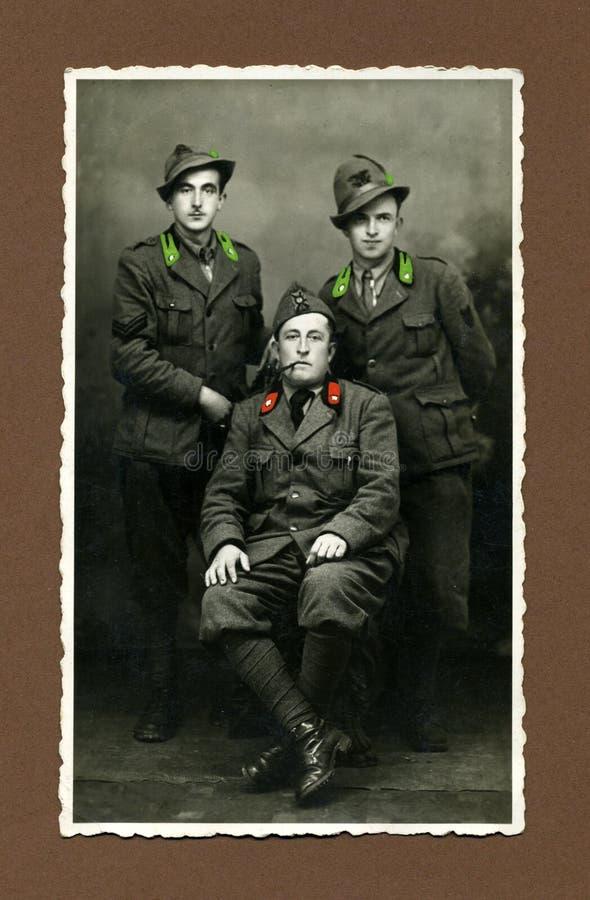 Antiker Foto-Militärmann der Vorlage 1943 stockbild