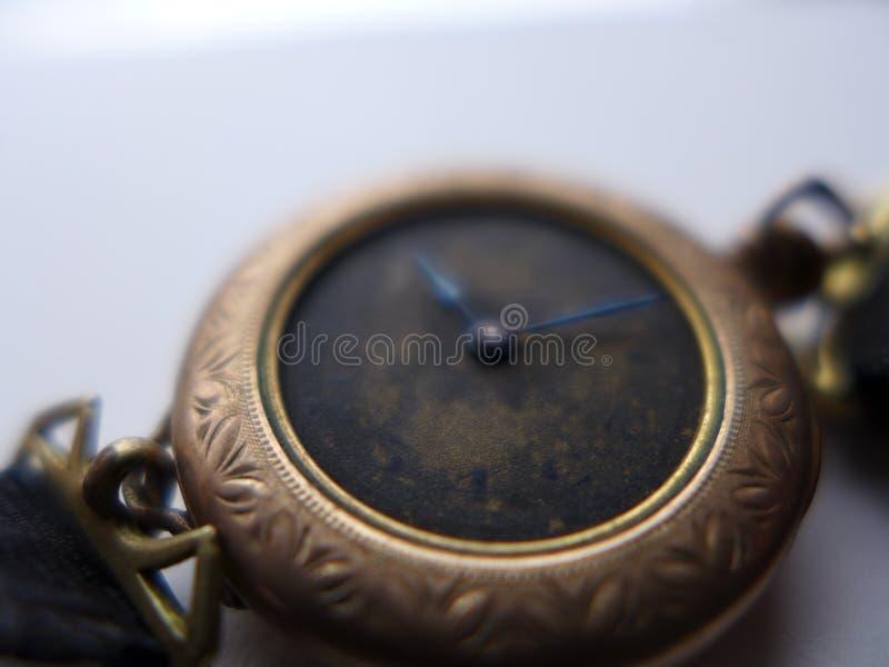Antiker Frau ` s Uhrnahaufnahme-Goldkasten stockbilder