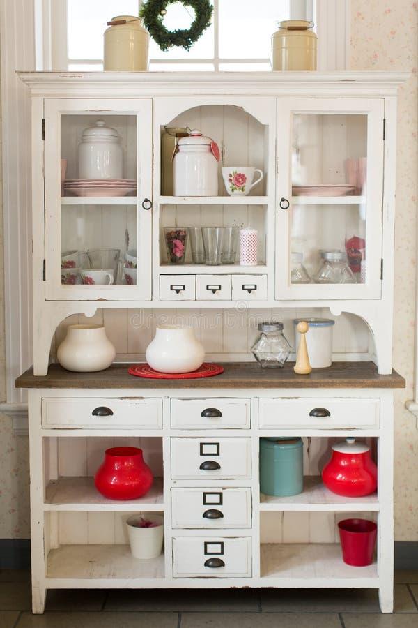 Antiker Küchenschrank stockfoto. Bild von innen, anstrich - 52755384
