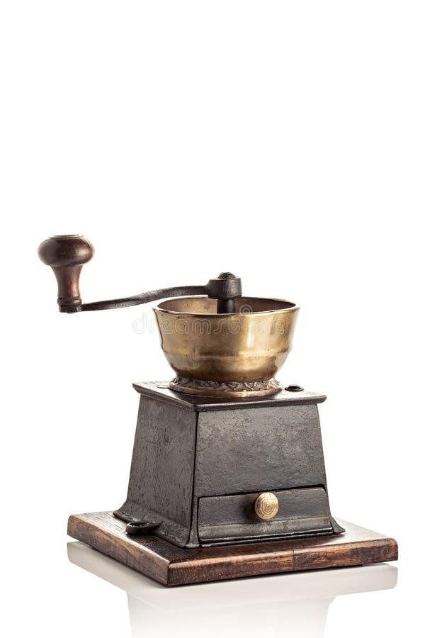 Antiker Kaffeeschleifer getrennt auf wei?em Hintergrund lizenzfreies stockfoto