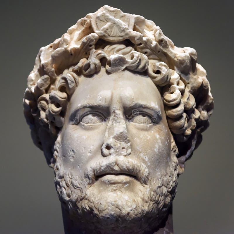 Antiker Kopf des Kaisers Hadrian lizenzfreie stockbilder
