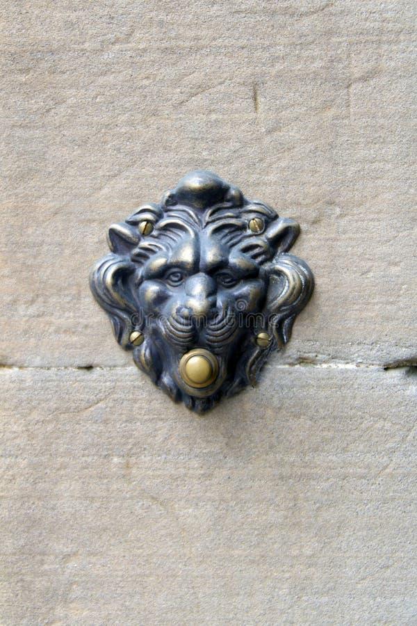 Antiker Lion Doorbell lizenzfreies stockbild