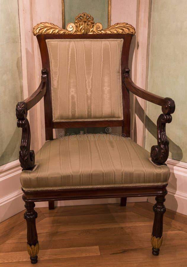 Antiker Stuhl stockbild