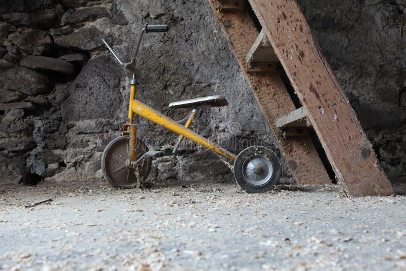 Antikes Dreirad stockfotos