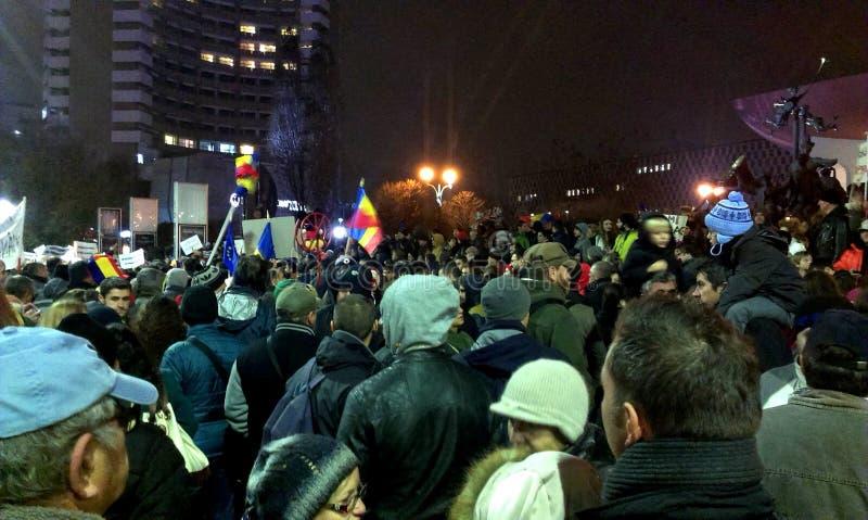 Antikommunismus des enormen Protestes und Prodemokratie in Bukarest stockfoto