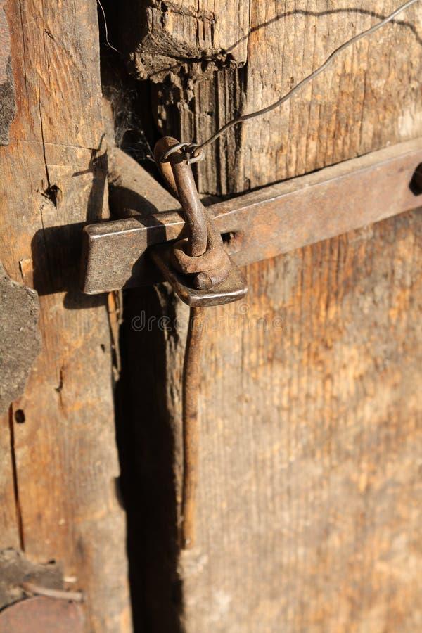 antikt dörrlås royaltyfri fotografi