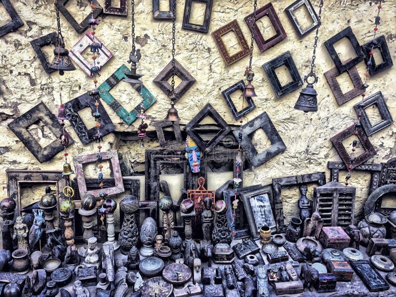 antikt shoppa det gamla hdrfunktionsläget och till salu tappningsaker arkivbild