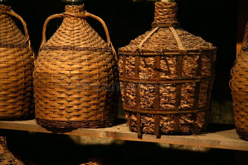 antikvarisk flaskwine arkivbild