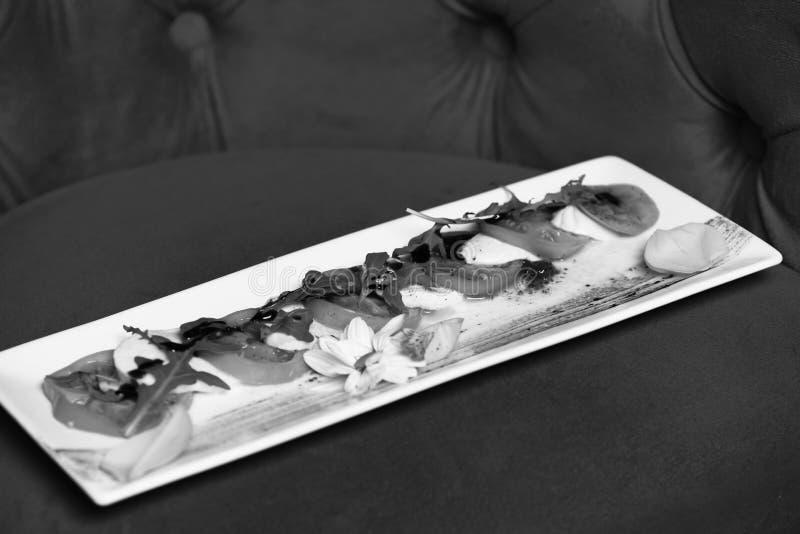 Antipasti de plat carré Concept de plat de restaurant photo libre de droits