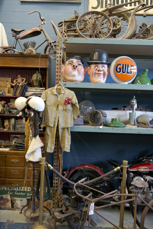 Free Antique Archeology American Pickers History Channel TV Show Stock Photography - 35880922