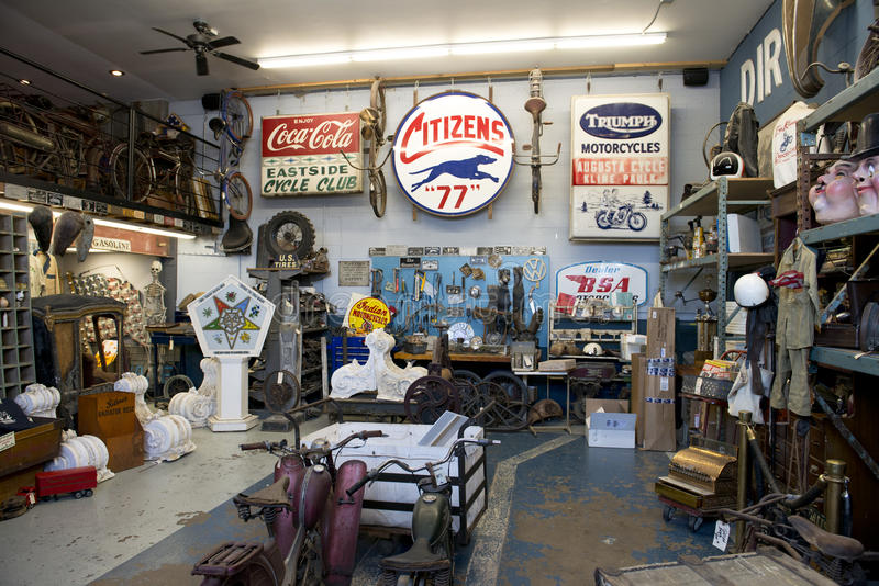 Download Antique Archeology American Pickers History Channel TV Show Editorial Stock Image - Image: 35880914