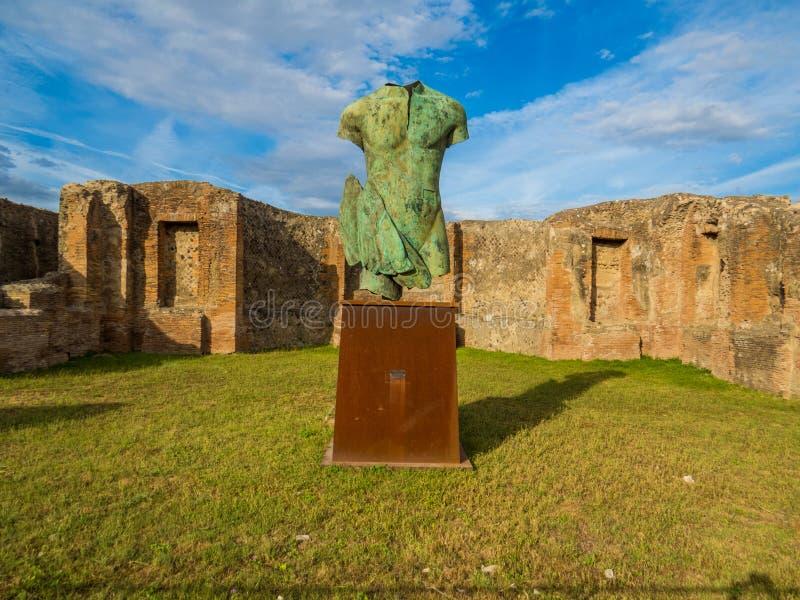 Antique et moderne à Pompeii image libre de droits