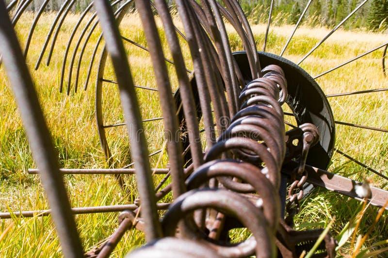 Antique Hay Rake Tines sluiten royalty-vrije stock afbeelding